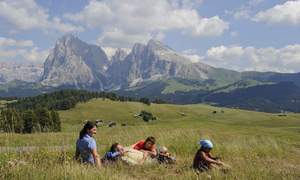 Le diverse attività che si praticano, durante le vacanze estive, sulle Dolomiti